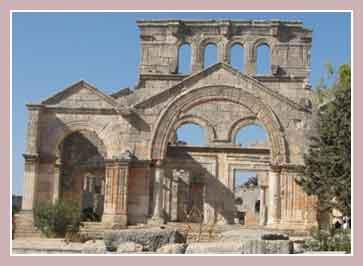 Руины коптского монастыря Святого Симеона