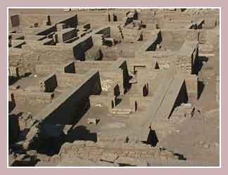 Руины храма Хнума