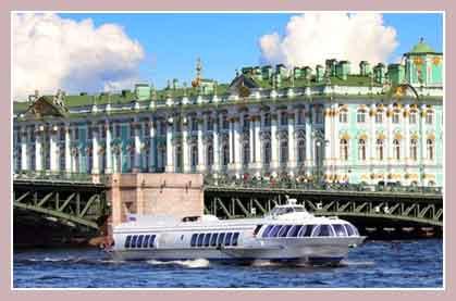 Речной транспорт Петербурга