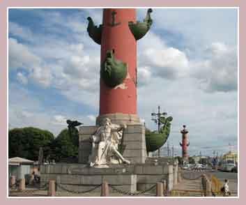Ростральные колонны, Петербург