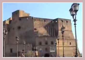 Замок Кастел дель Ово.