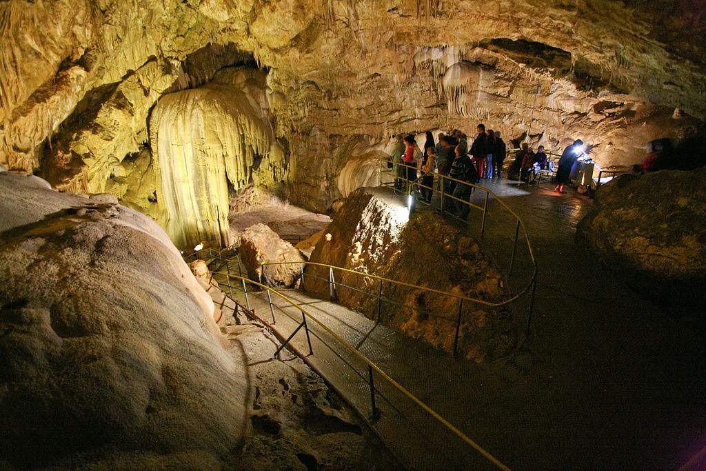 """фото по запросу """"Достопримечательности Абхазии: Новоафонская пещера"""""""