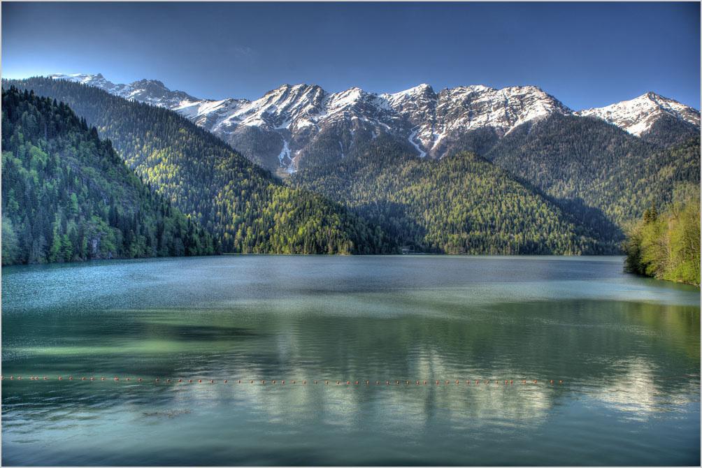 """фото по запросу""""Достопримечательности Абхазии: озеро Рица"""""""