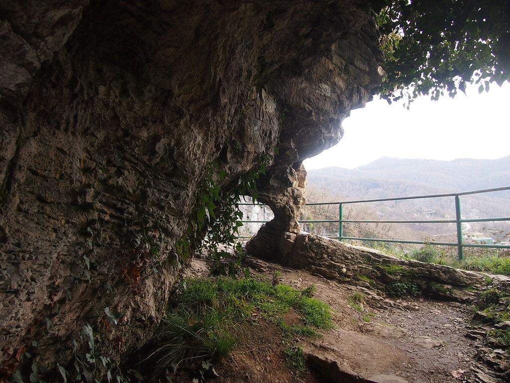 """Фото по запросу """"Достопримечательности Сочи: Ахштырская пещера"""""""