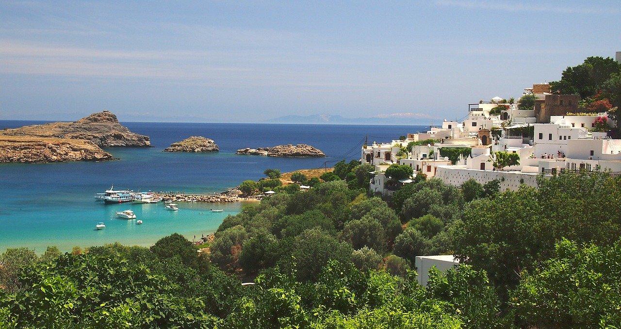 острова Греции с прямым рейсами из России: Родос, город Линдос