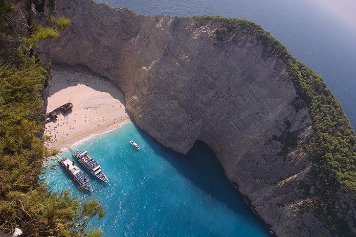 острова Греции с прямым рейсами из России: Закинф, бухта Навайо