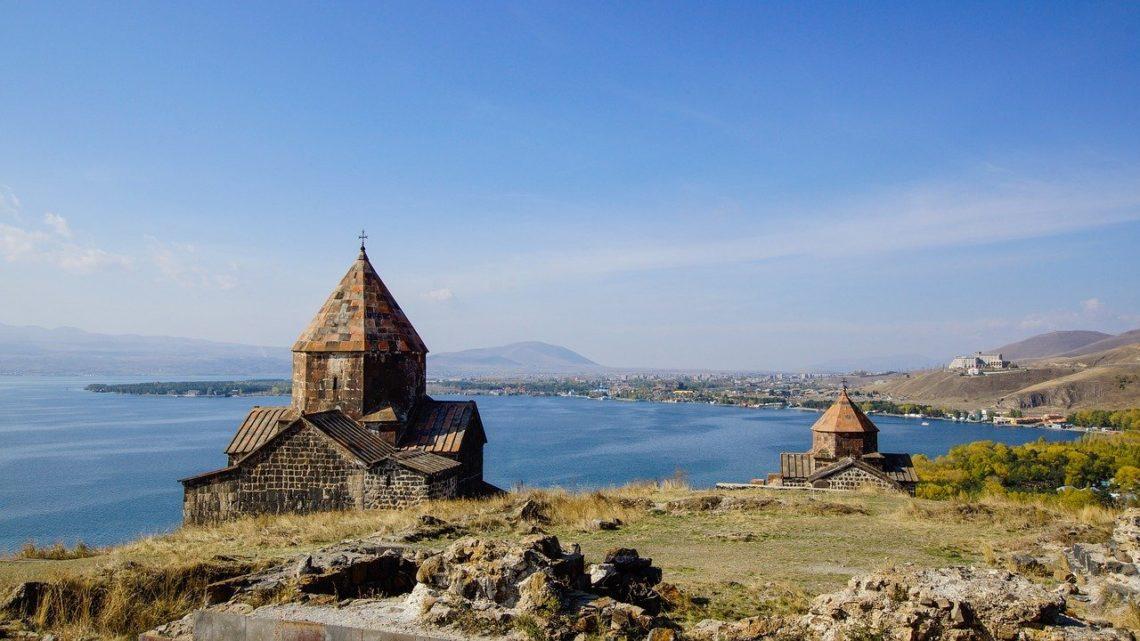 Озеро Севан, Армения: как добраться, что посмотреть, где жить