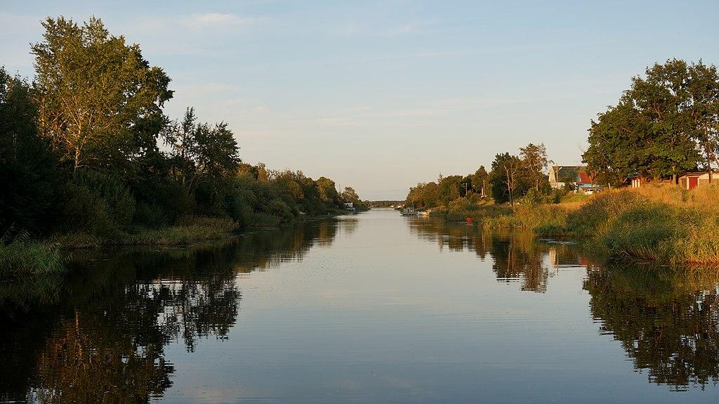 Районы Ладожского озера: Новая Ладога, Карелия